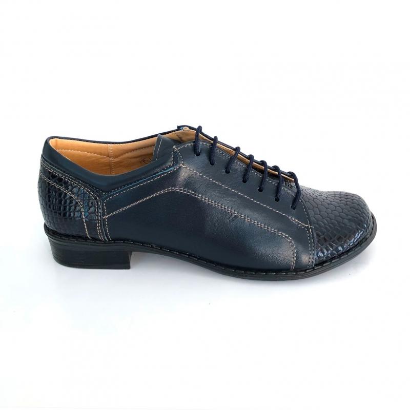 Pantofi casual albastrii cu lac si cu siret fabricati in Romania